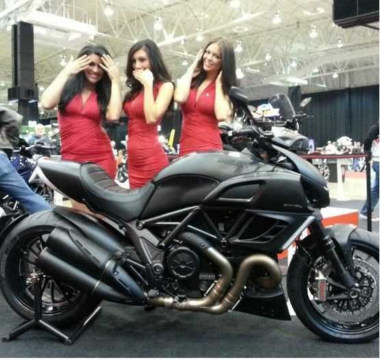 Ducati Diavel Carbon Sport Bike 2