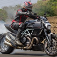 Ducati Diavel Carbon Price Specs Features Top Speed 2018