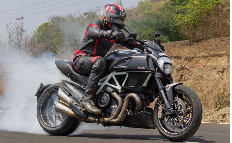 Ducati Diavel Carbon Sport Bike 7