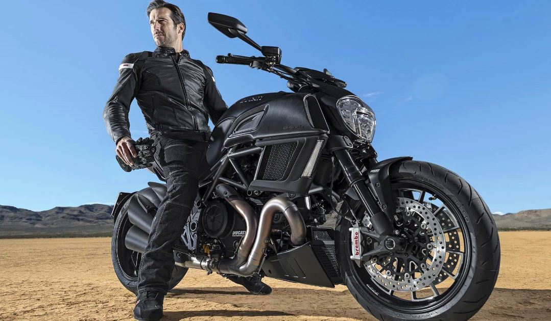 Ducati Diavel Sport Bike 11