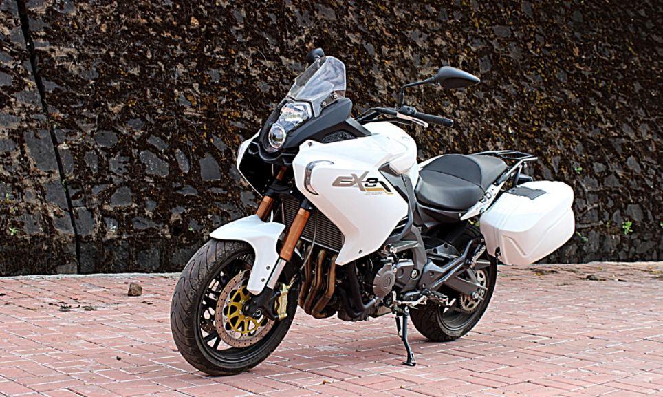 Benelli TNT 600 GT Sports Bike 13