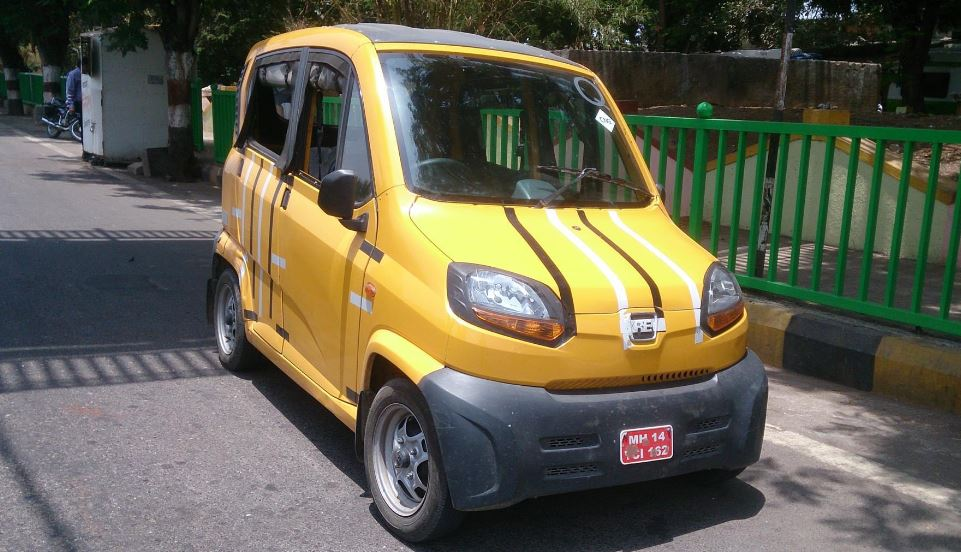 Bajaj Qute RE60 Small Car 1