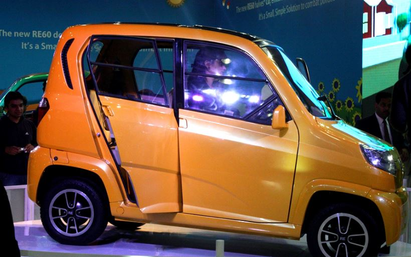 Bajaj Qute RE60 Small Car 8