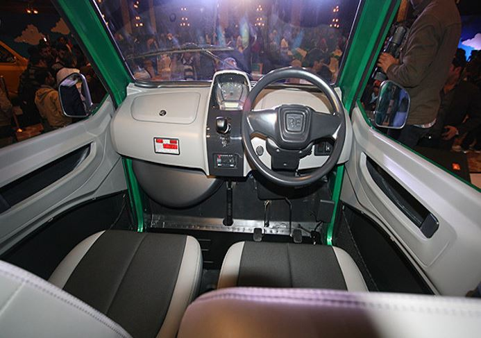 Bajaj Qute RE60 Small Car interior