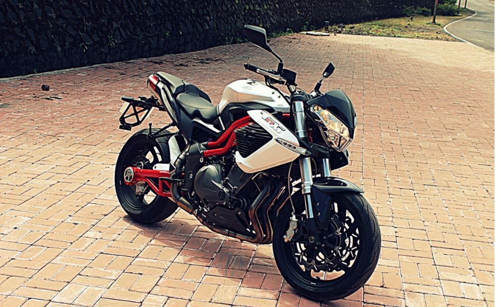 DSK Benelli TNT 899 Sports Bike 14