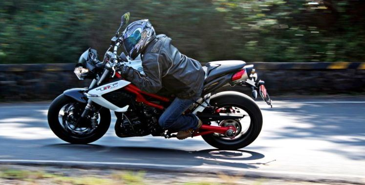 DSK Benelli TNT 899 Sports Bike 6