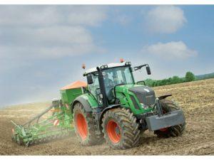 Fendt 824 Vario Tractor
