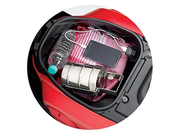 Honda Cliq Scooter Mobile charging socket