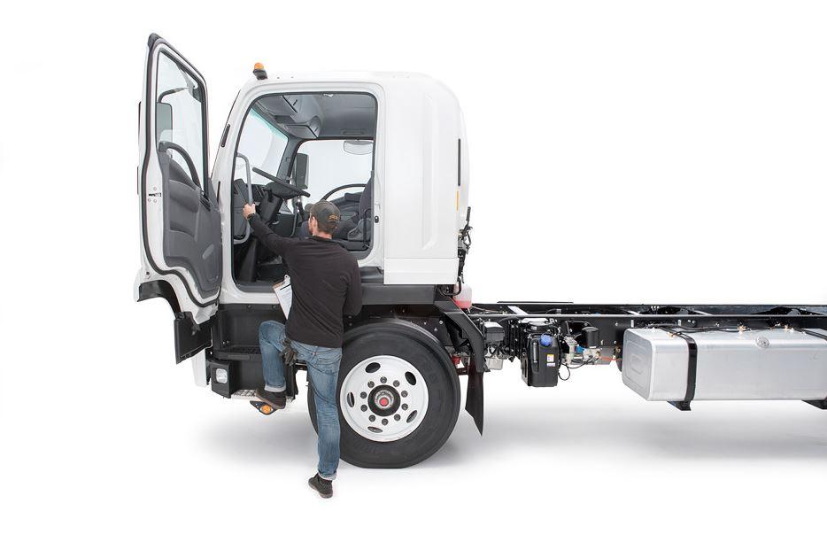 Isuzu F-Series FTR Diesel Trucks 3