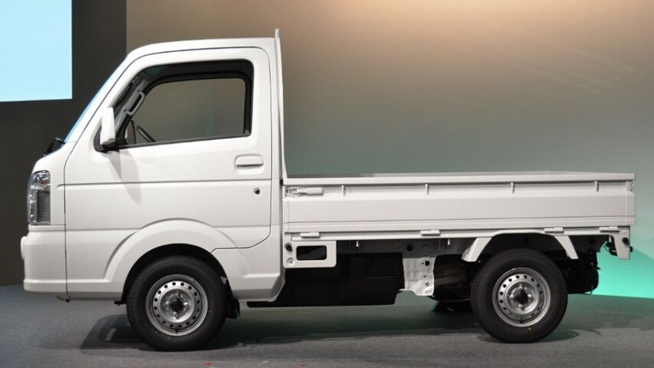Maruti Suzuki Super Carry LCV interior 4