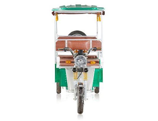 Mayuri Passenger Electric Rickshaw front