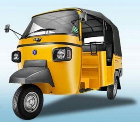 Piaggio Ape XTRA DLX Auto Rickshaw 3