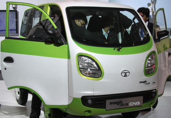 Tata Magic Iris CNG Auto 4