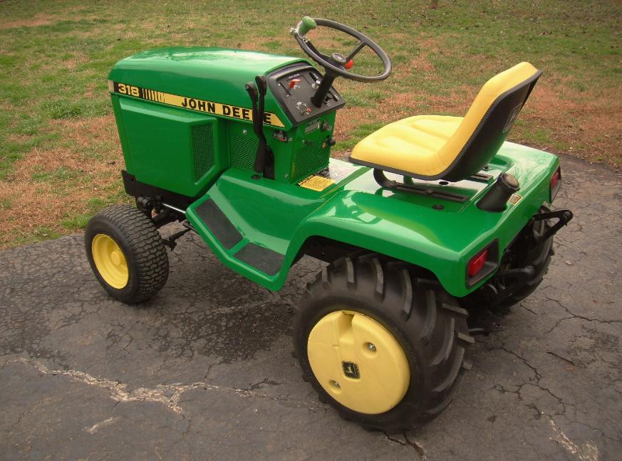 John-Deere-318-specifications