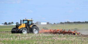 Challenger 1038 Tractor