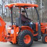 Kubota B26TLB Tractor