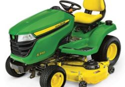 John Deere X390 LawnMower Tractor