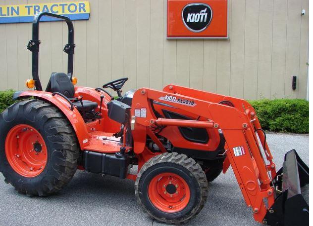 Kioti DK5510 Utility Tractor