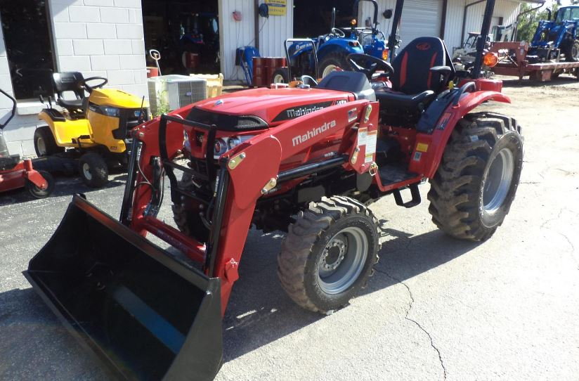 Mahindra 1626 HST Compact Tractor