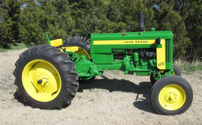 John Deere 420 Tractor Overview