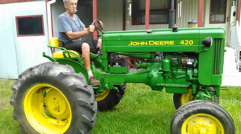 John Deere 420 Tractor specifications