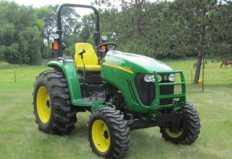 John Deere 4720 Tractor Overview