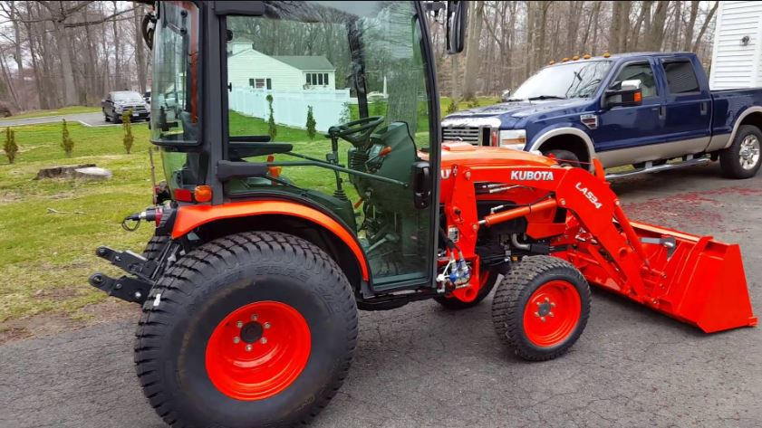 Kubota B3350 Tractor features