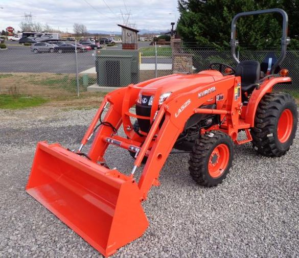 Kubota L3901 Compact Tractor Specs Overview