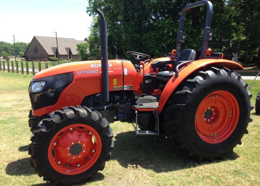 Kubota M7060 Tractor specs