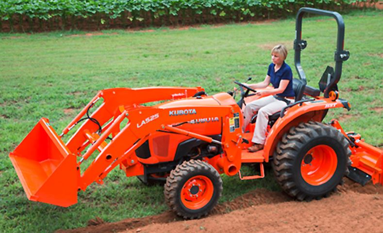 L2501 Kubota Compact Tractor features