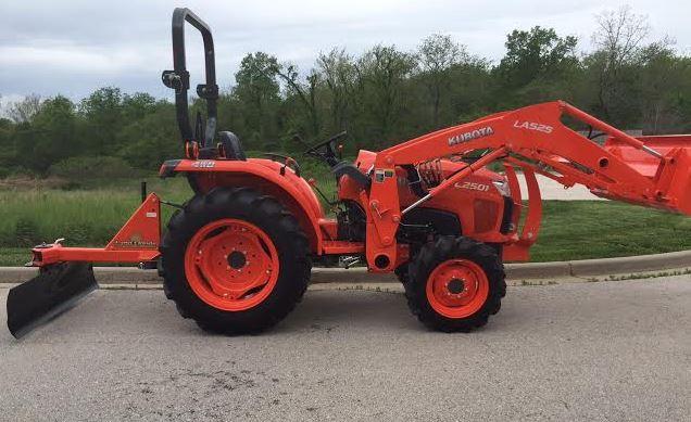 L2501 Kubota Compact Tractor specs